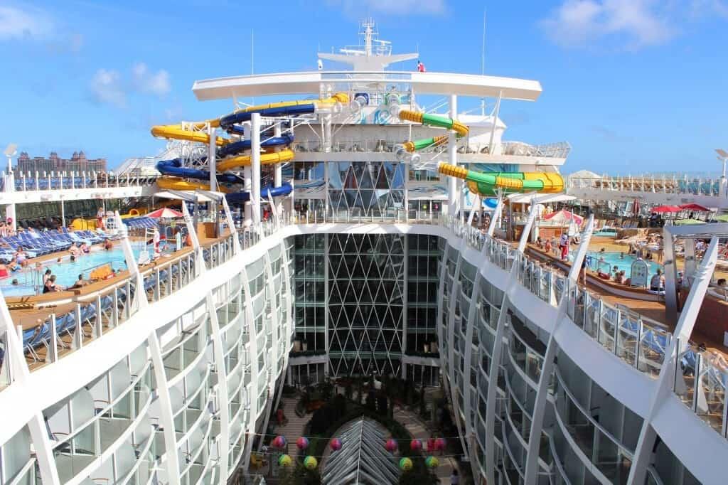 Symphony of the Seas para passeio romântico