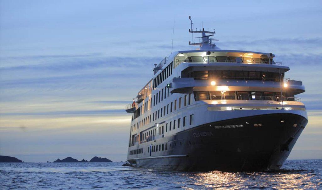 Stella Australis navegando
