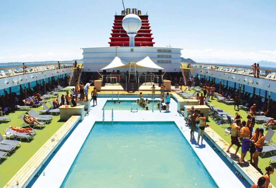piscina do navio Pullmantur