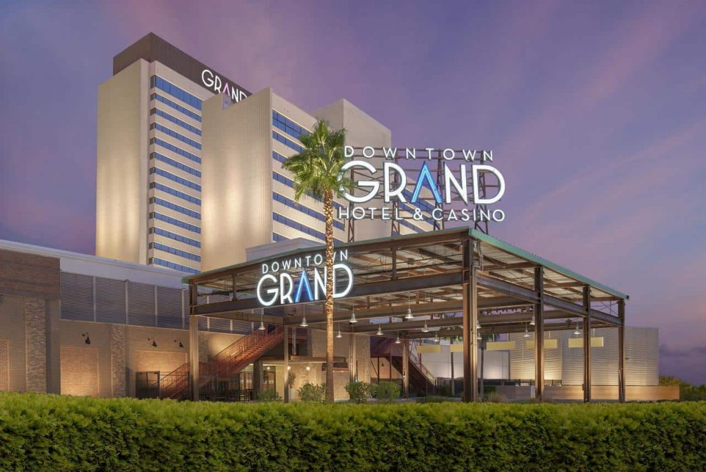 Downtown Grand an Ascend Hotel